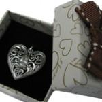Лучший подарок на День Всех Влюбленных – серебряные украшения