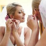 Подбираем серебряные украшения под свадебное платье – советы для невесты