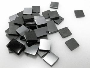фото квадратная вставка из гематита