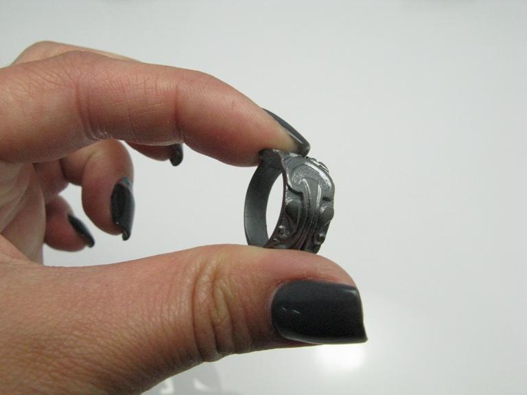 Фото Потемневшее кольцо
